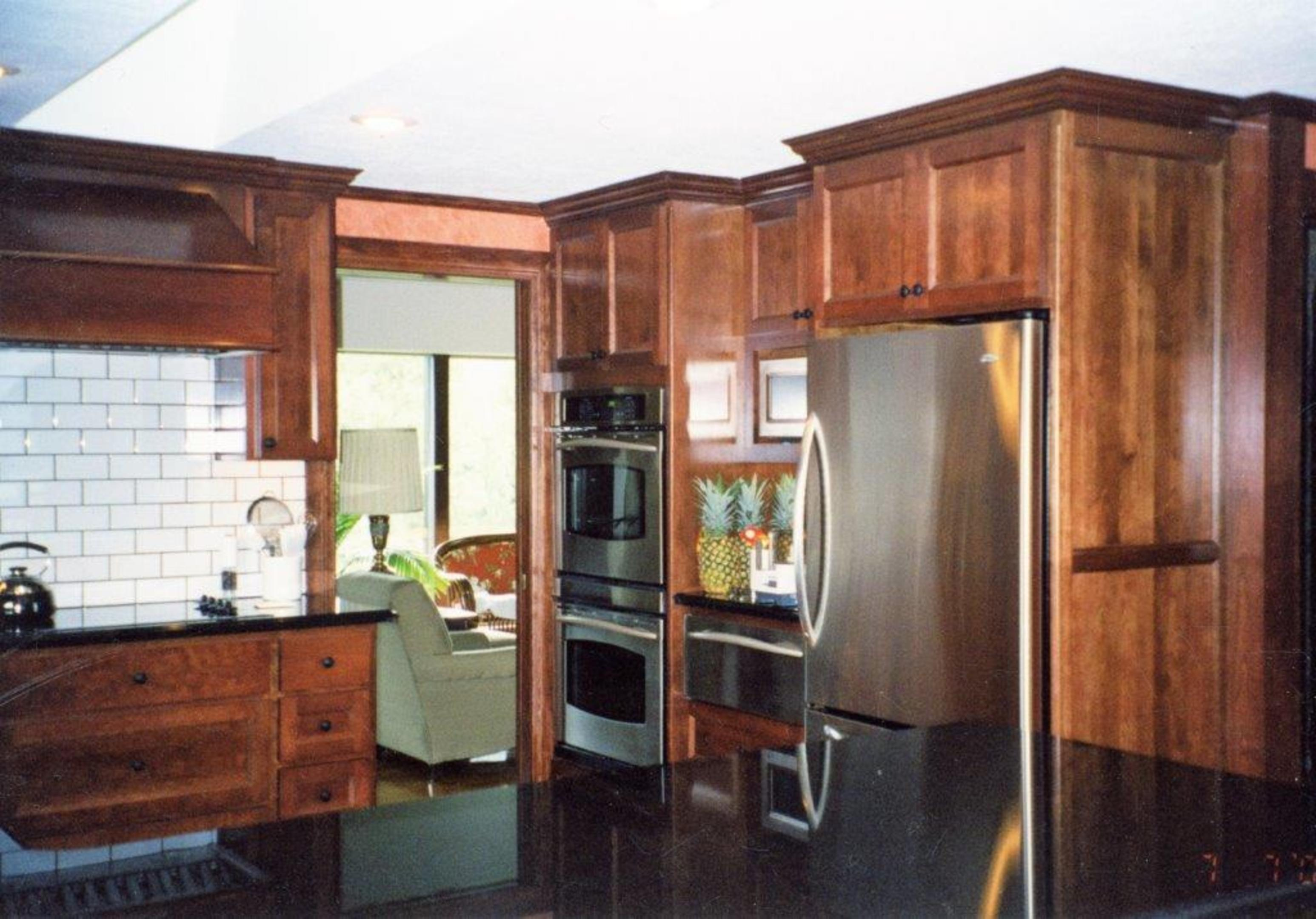 Thumb Kitchen Traditional Style Rustic Maple Dark Color Recessed Panel  Doors And Ends Angled Wood Hood