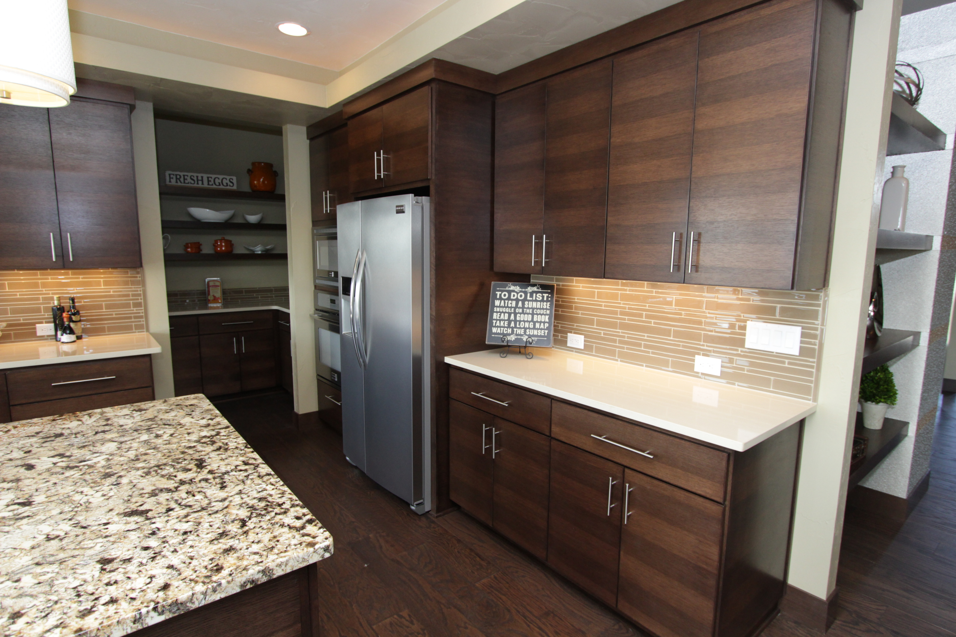 Kitchens With Wood Grain Laminate