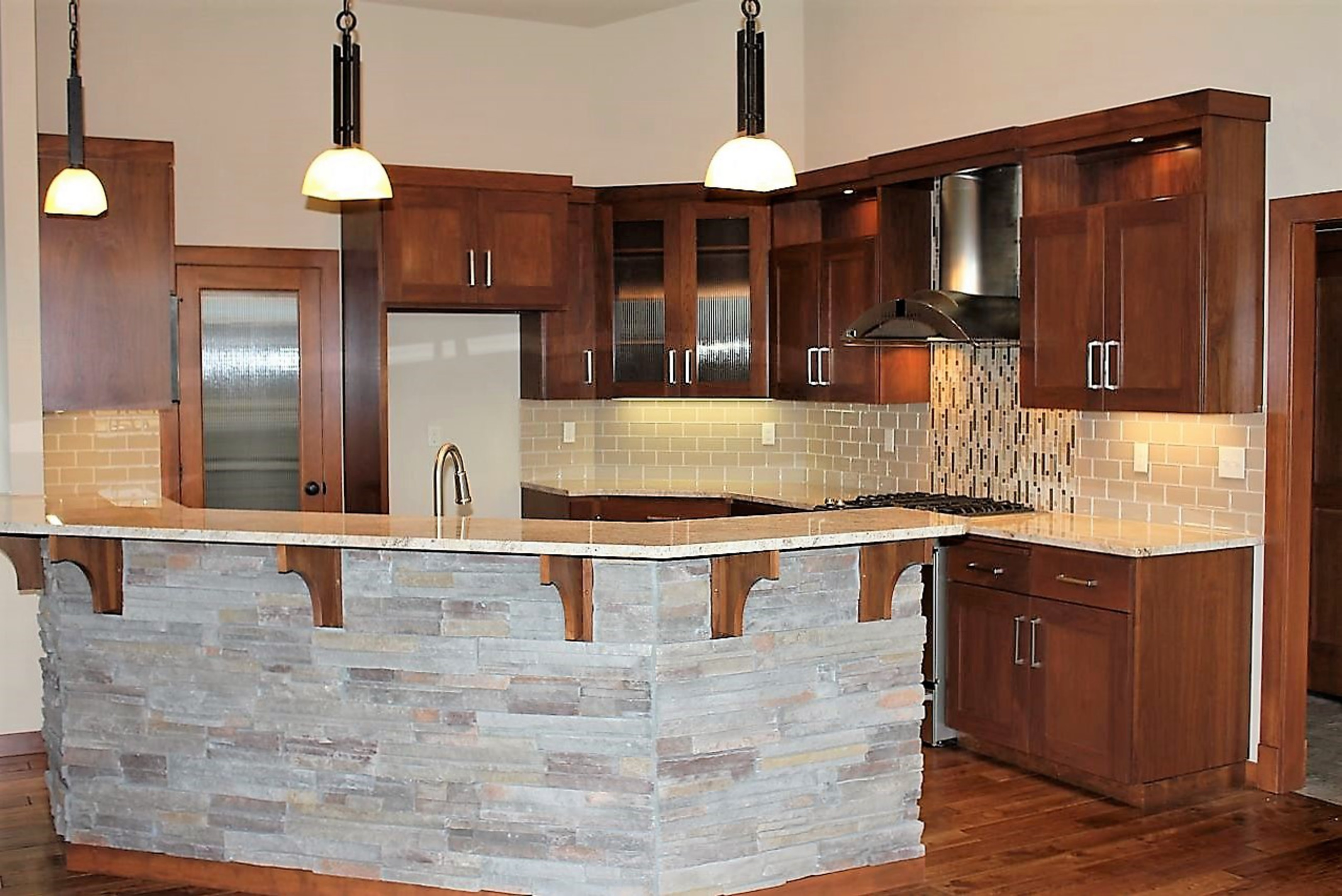 Contractor Paint Kitchen Cabinets Near