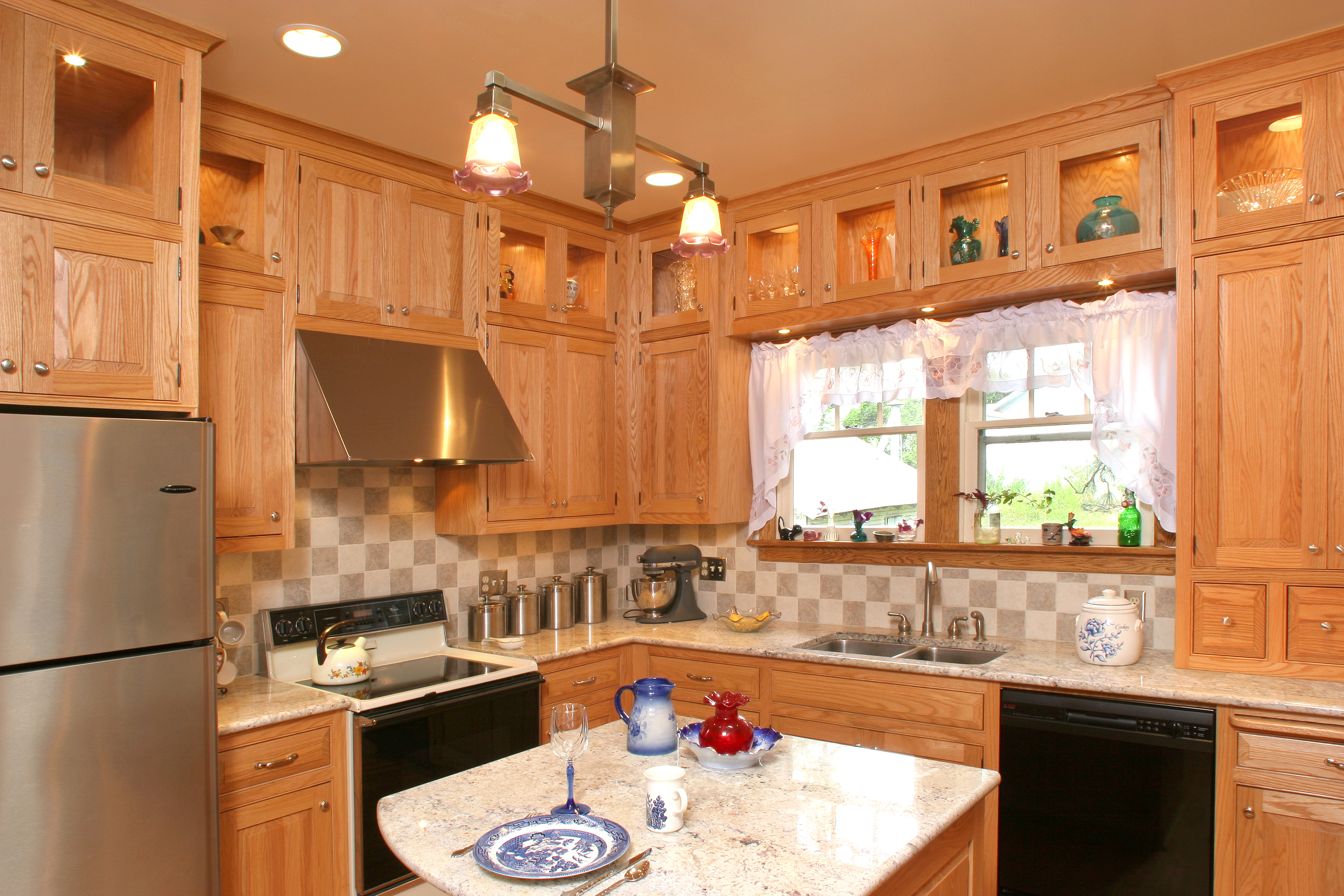 Thumb Kitchen Traditional Style Oak Light Color Raised Panel Flush Mount Gl At Top Small Island