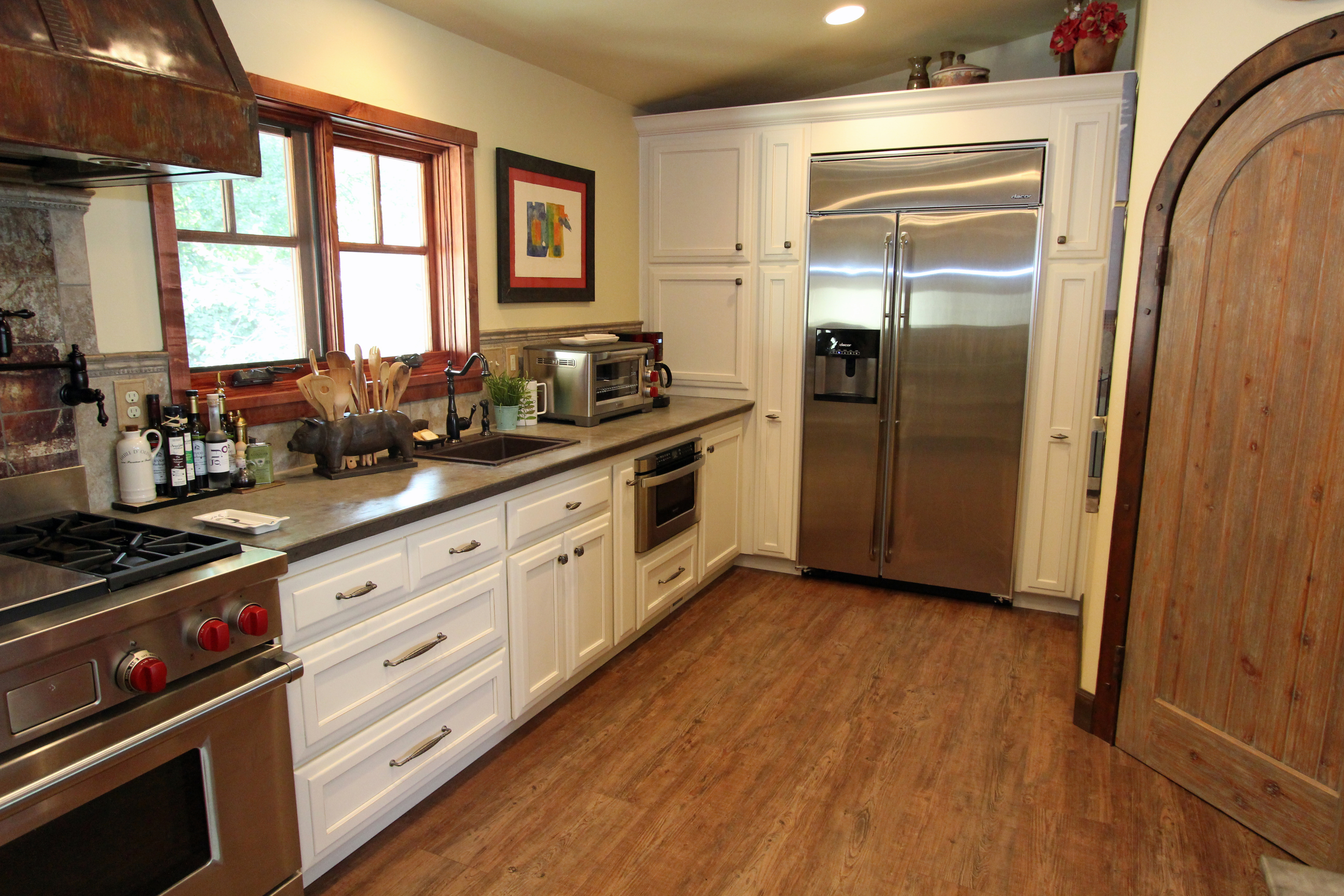 100 hybrid kitchen affordable custom cabinets showroom for Affordable custom kitchen cabinets