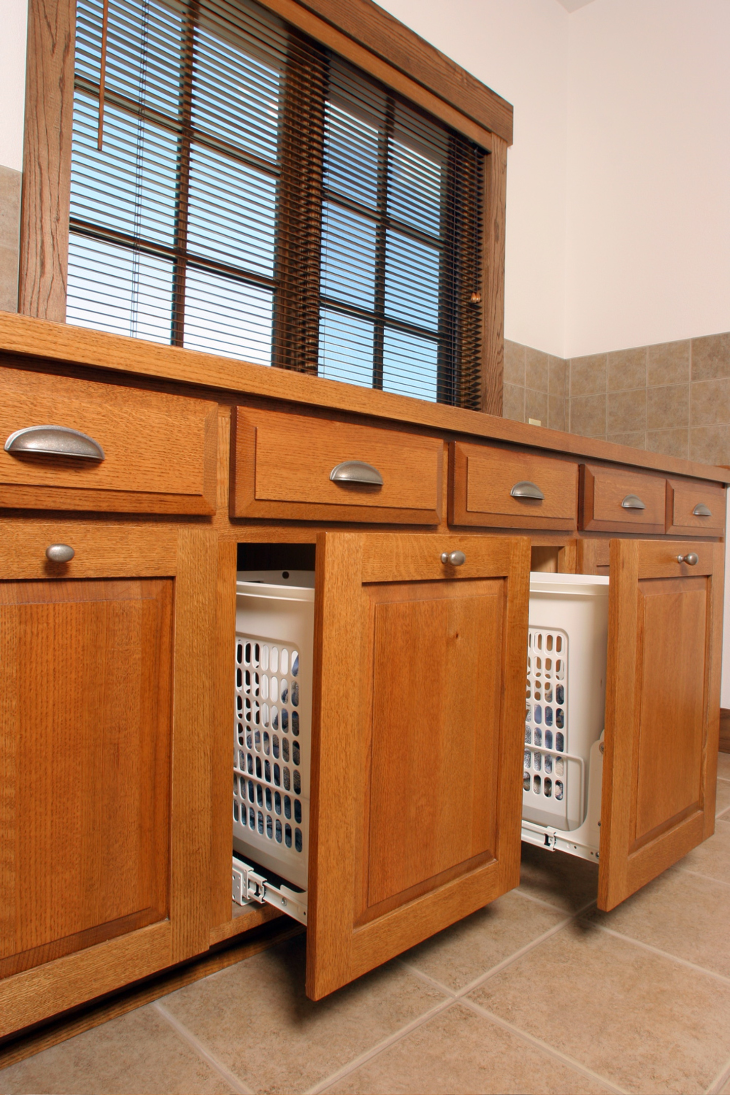 Thumb laundry or utility craftsman style quartersawn oak raised panel doors with bevel drawer fronts medium & Affordable Custom Cabinets - Showroom Pezcame.Com
